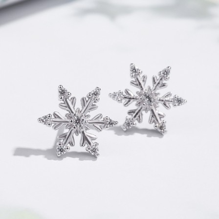 Lovely Girls Fashion Trend Christmas Snowflake Cubic Zirconia Earrings