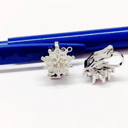 Cute Fashion Alloy Snow Flower Cubic Zirconia Earrings