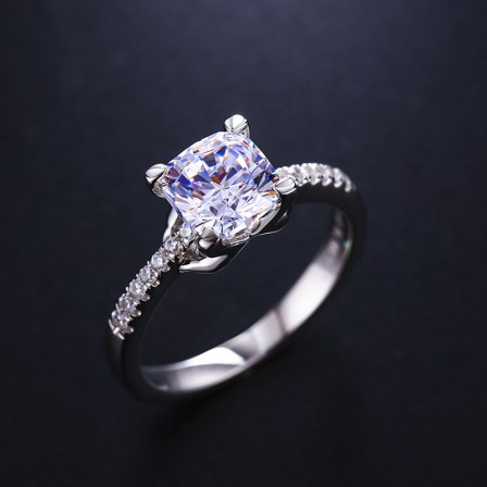 Platinum-Plated Sterling Silver Ring 1Carat Square Diamond Engagement Ring