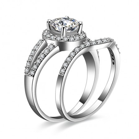 New Design S925 Sterling Silver Cubic Zirconia Engagement Ring Set