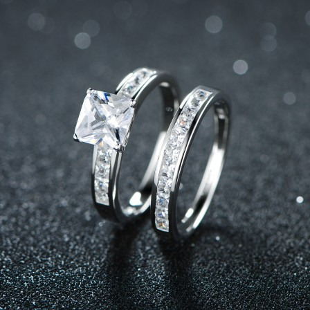 Classical S925 Sterling Silver Radiant White Sapphire Cubic Zirconia Wedding Ring Set