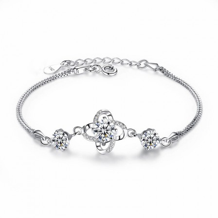 Sweet Love Four-leaf Clover Shaped S925 Sterling Silver Inlaid Cubic Zirconia Bracelet