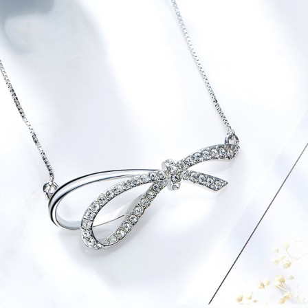 Trendy 925 Silver Rhinestone Ladies' Necklace With Chain