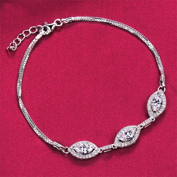Three Sparkling Diamonds Top Level ESCVD Diamonds Women Bracelets