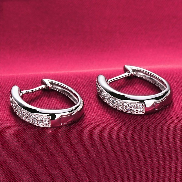 0.8 Carat Shinning ESCVD Diamonds Fashionable Women Earrings