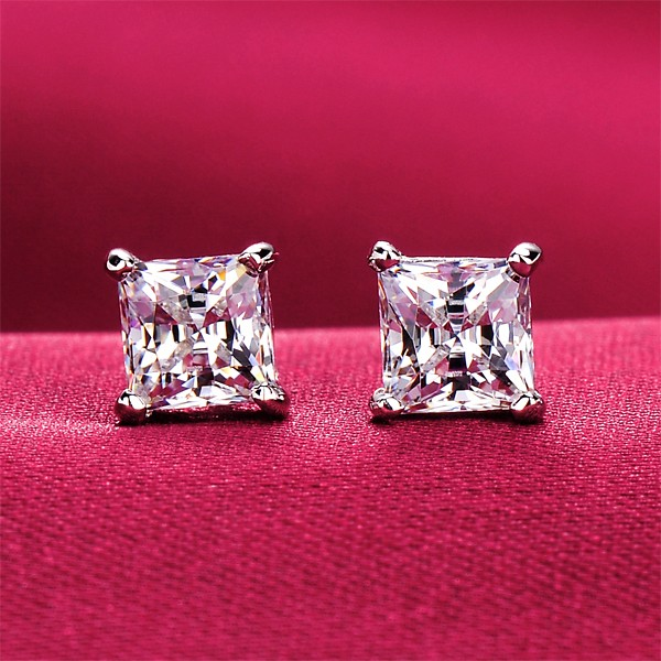 0.5 Carat Four Claw ESCVD Diamonds Fashionable Women Earrings
