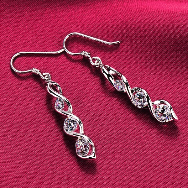 Spiral Shape Three 0.2 Carat Diamonds ESCVD Diamonds Fashionable Women Earrings