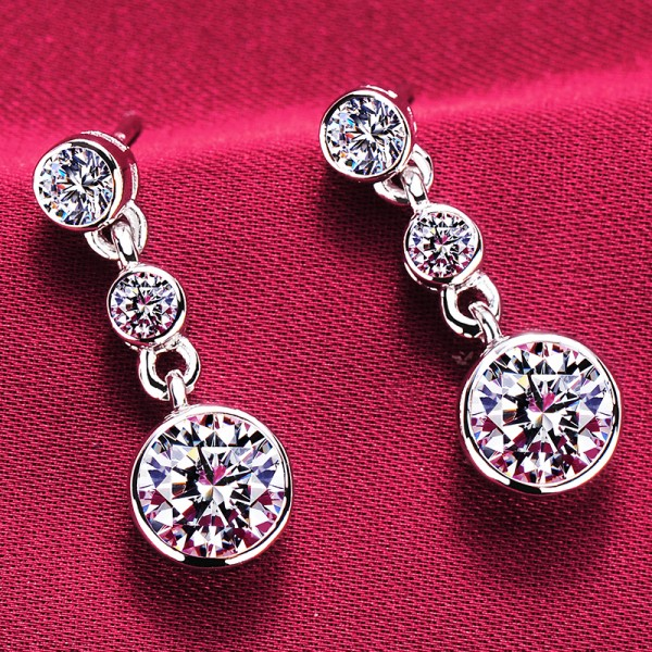 0.8 Carat Round Shape ESCVD Diamonds Fashionable Women Earrings