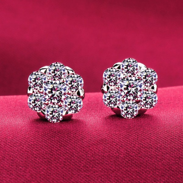 Snow Shape 0.6 Carat ESCVD Diamonds Fashionable Women Earrings