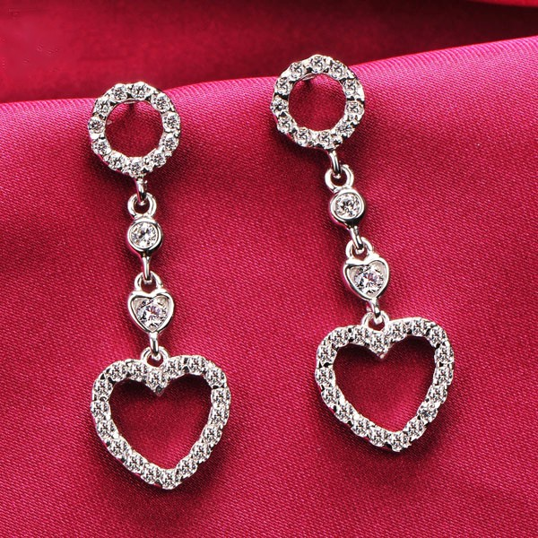 Hollow Heart Shape 0.03 Carat ESCVD Diamonds Fashionable Women Earrings