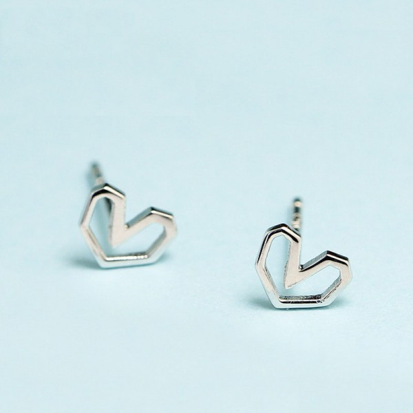Mini S925 Sterling Silver Hollowed Heart Love Earrings