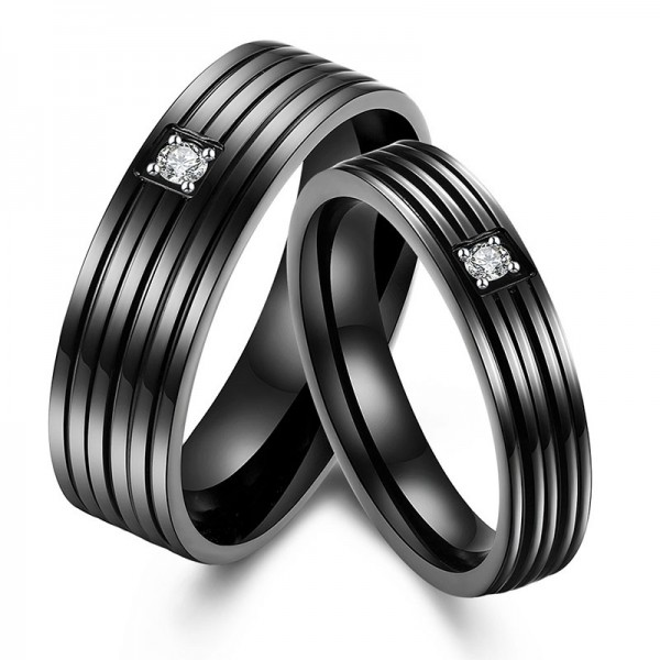 Stainless steel Black Ring For Couple Inlaid Cubic Zirconia Simple and Mature Fluted Craft