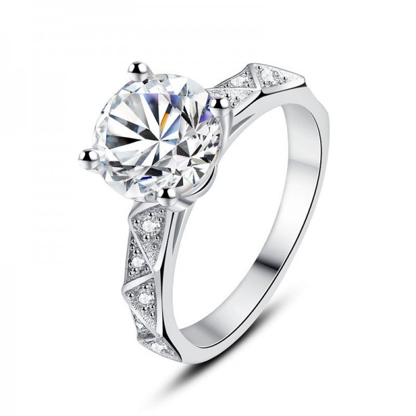 925 Sterling Silver Ring For Women 2.0 Carat Diamond Unique Triangular Decoration Exquisite and Fashion