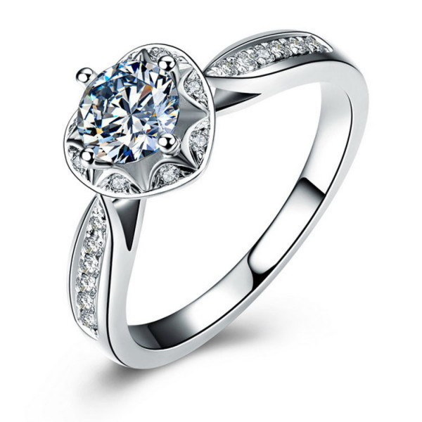 925 Sterling Silver Ring For Women Heart-shaped Design Inlaid Cubic Zirconia Unique and Fashion Polish Craft