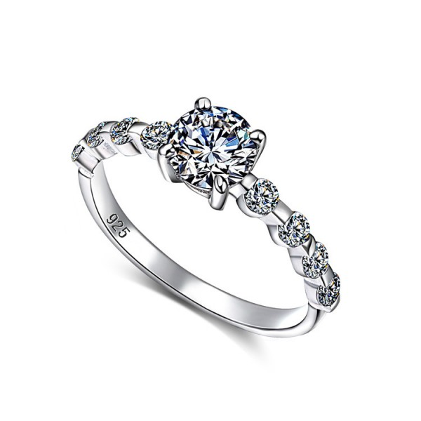 925 Sterling Silver Ring For Women Four Claws Design Inlaid Cubic Zirconia Heart-shaped Diamond Decoration Luxury and Exquisite