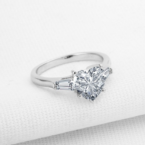 925 Sterling Silver Ring For Women Inlaid Cubic Zirconia 2.0 Carat Classic Four Claws Simple and Fashion Polish Craft