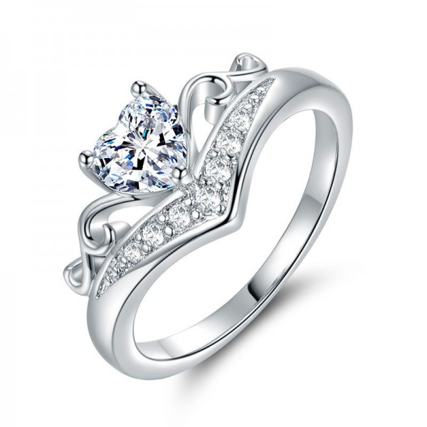 925 Sterling Silver Ring For Women Heart-shaped Design Inlaid Cubic Zirconia Fashion and Elegant Polish Craft