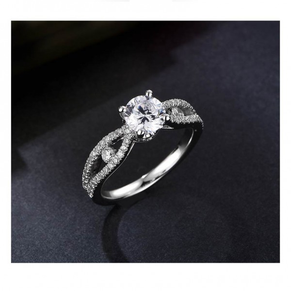 925 Sterling Silver Ring For Women Inlaid Cubic Zirconia Plating Platinum Four Claws Exquisite and Elegant
