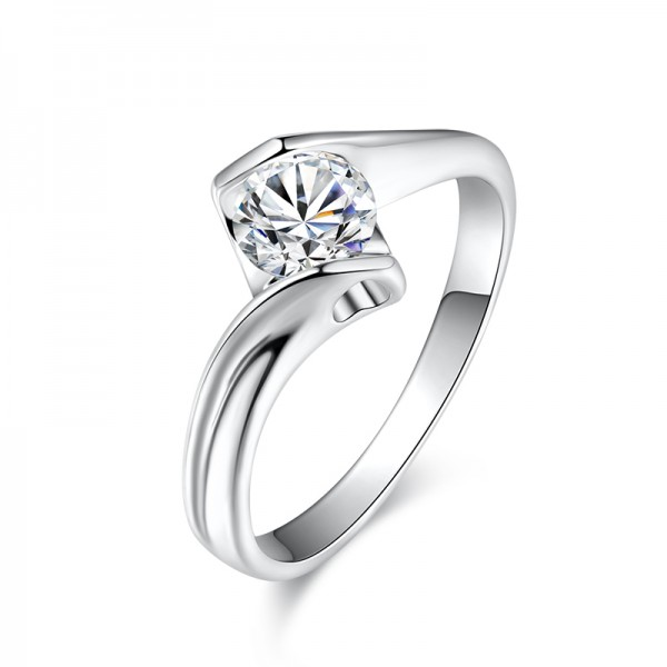925 Sterling Silver Ring For Women Inlaid Cubic Zirconia 0.6 Carat Rhombic Design Polish Craft Exquisite and Liberality