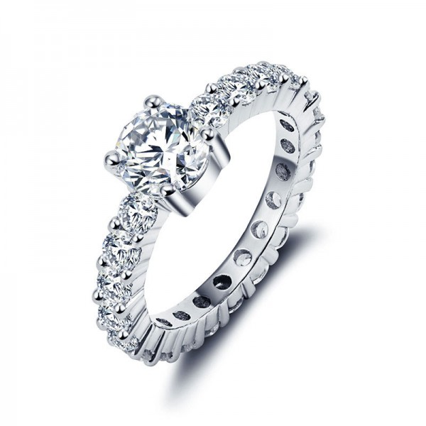 Full Of Luxury Diamond Engagement Ring