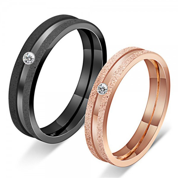 Titanium Black and Rose Gold Ring For Couples Inlaid Cubic Zirconia Fluted and Electroplating Craft Simple and Fashion