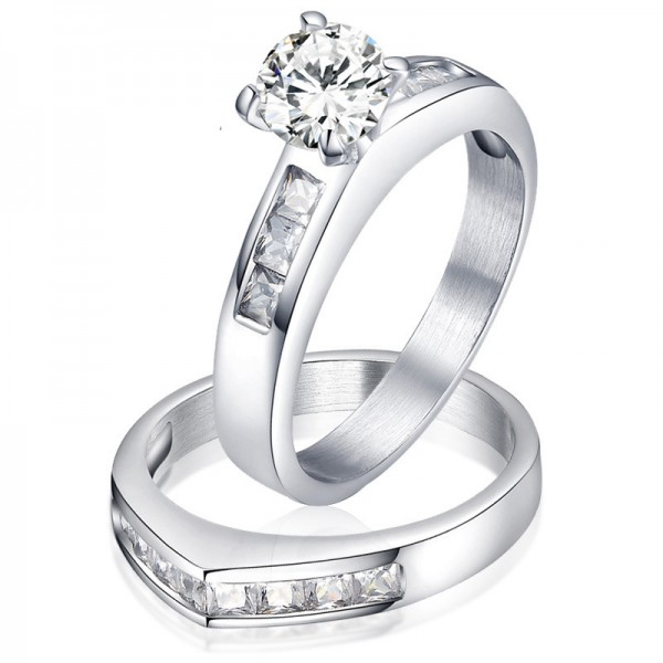 Titanium Silvery Ring For Couples Inlaid Cubic Zirconia Heart Design Elegant and Fashion