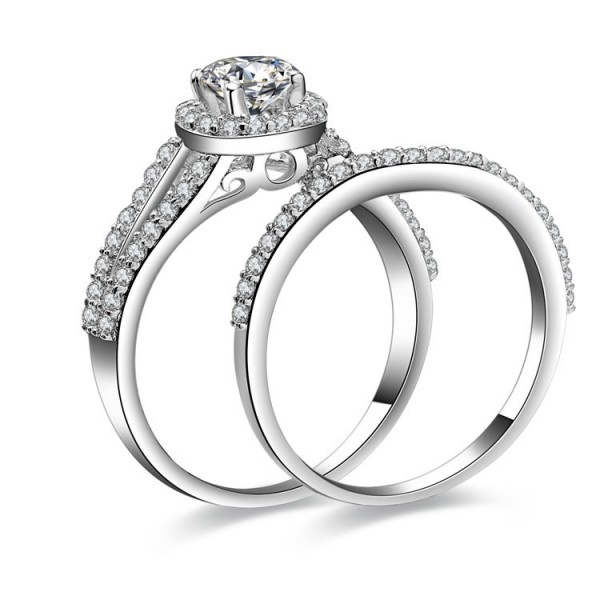 Awesome Round Cubic Zirconia S925 Sterling Silver Wedding Ring Set