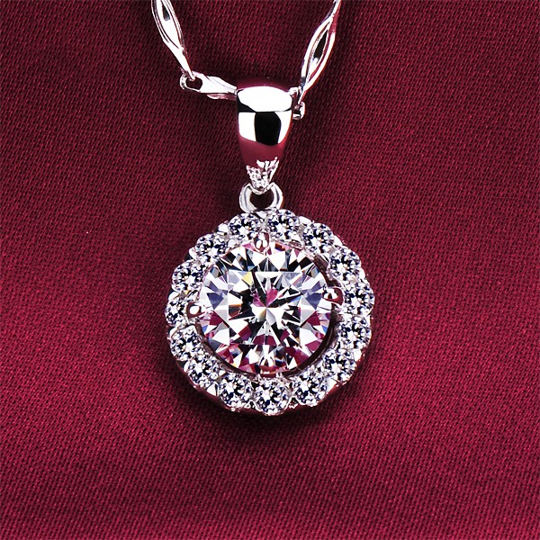 Round Shape 1.2 Carat ESCVD Diamonds Fashionable Gift Necklaces For Her