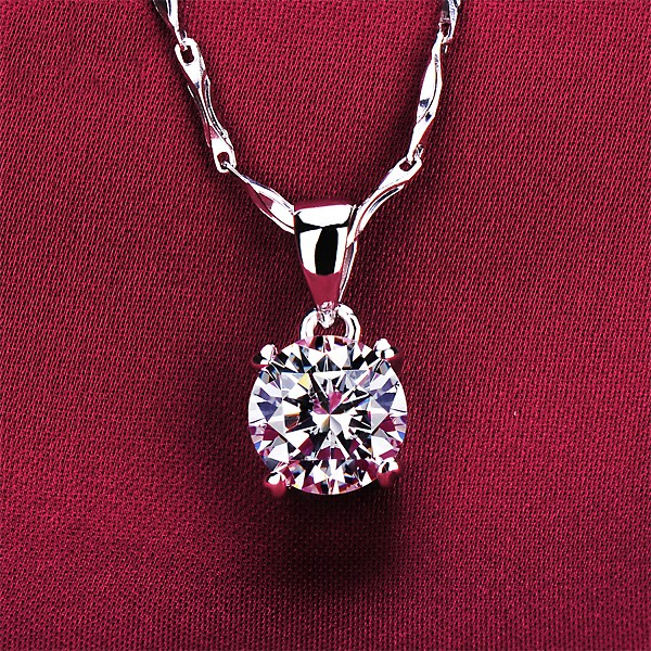 1.2 Carat Four Claw ESCVD Diamonds Fashionable Women Necklaces Gift Necklaces