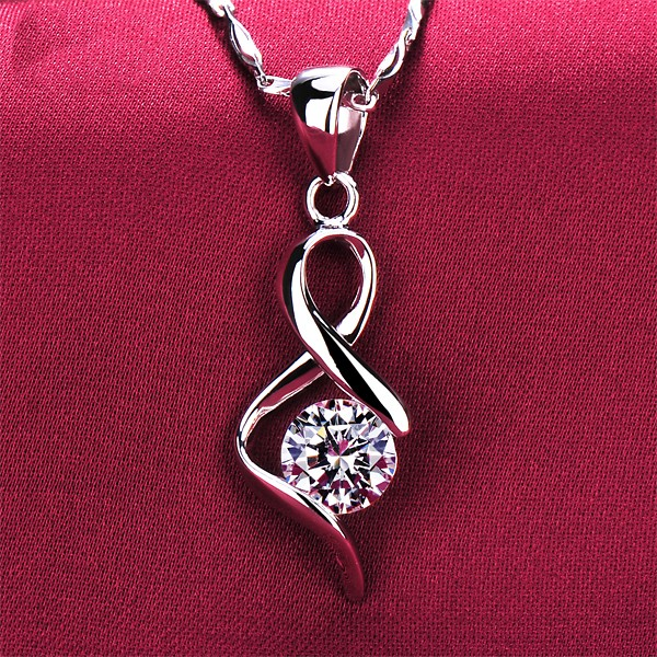 Special Curve Design 0.6 Carat ESCVD Diamonds Fashionable Women Necklaces Gift Necklaces