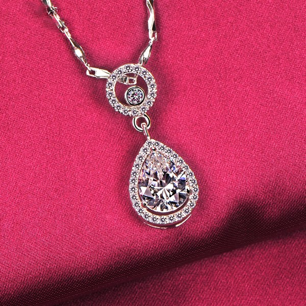 Water Drop 2.0 Carat ESCVD Diamonds Fashionable Women Necklaces Gift Necklaces