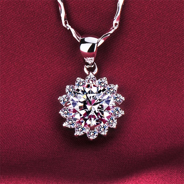 Sunflower 2.0 Carat ESCVD Diamonds Fashionable Women Necklaces Gift Necklaces