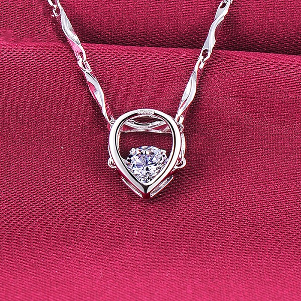 0.25 Carat Heart Shape ESCVD Diamonds Fashionable Women Necklaces Gift Necklaces