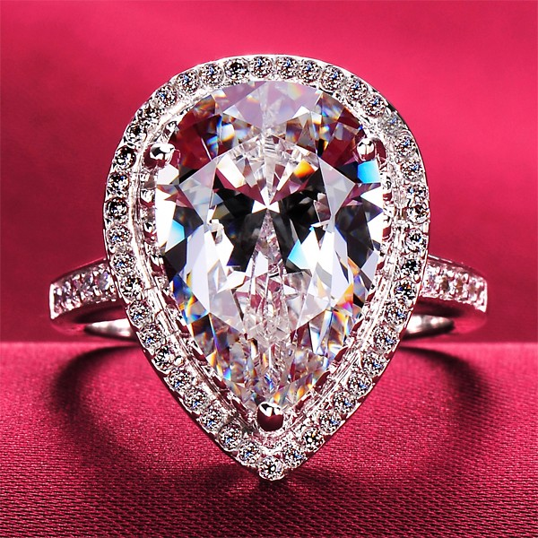 Luxurious 5.0 Carat Heart Shape ESCVD Diamonds Lovers Ring Wedding Ring For Her