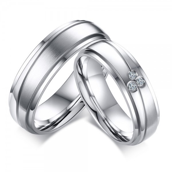 Titanium Silvery Ring For Couples Unique and Liberality Inlaid Cubic Zirconia
