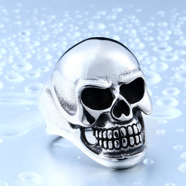 Titanium steel oversized skull ring