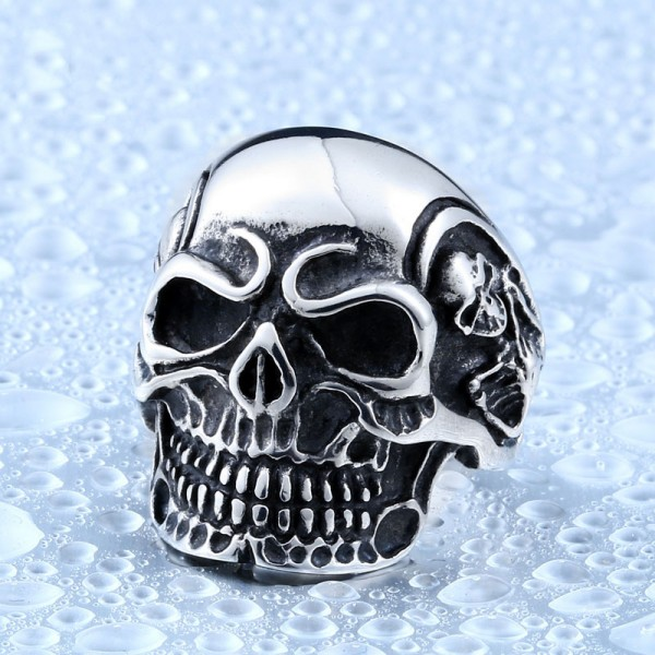 Personality large men's skull ring