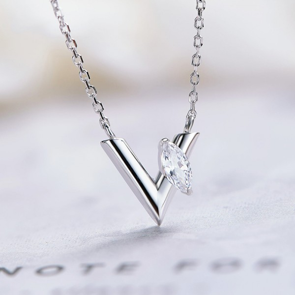 925 Silver Exquisite Rhinestone Ladies' Necklace With Chain