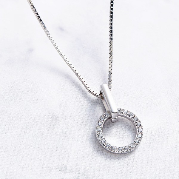 Exquisite 925 Silver Rhinestone Ladies' Necklace With Chain