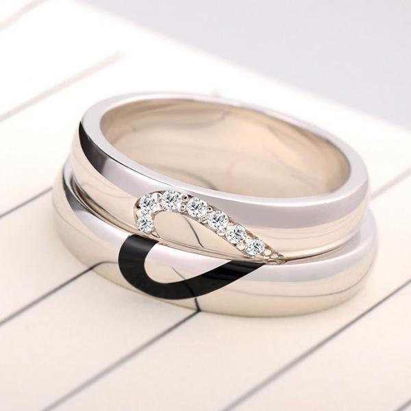 Tips on buying couples ring from online store